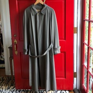 Burberry Trench Size 40R